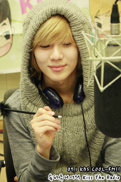 http://em1793.files.wordpress.com/2011/03/taemin-shinee.jpg